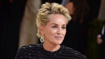 Sharon Stone fait sensation au MET Gala dans une tenue des plus surprenantes !