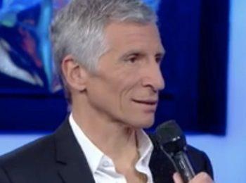 Nagui (N'oubliez pas les paroles) : Taclé à cause de ses cheveux blancs par une candidate...