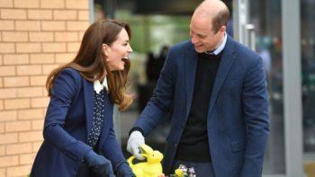 Kate Middleton : complice et hilare avec le prince William pour une sortie dans un centre pour enfants