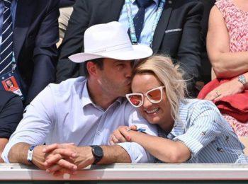 Elodie Gossuin et son mari grillés par leur fille en pleine séance de câlins...