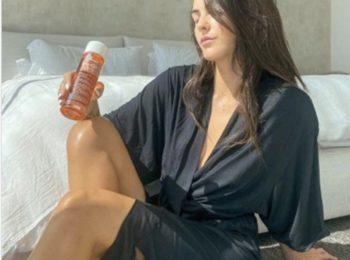 Cette huile très connue que Kim Kardashian utilise pour estomper les vergetures est en solde !