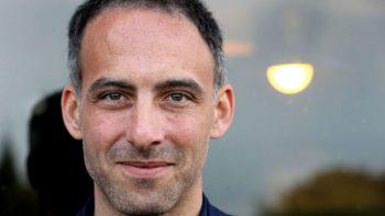 Léa Salamé : Raphaël Glucksmann partage une rarissime photo du visage de leur fils Gabriel