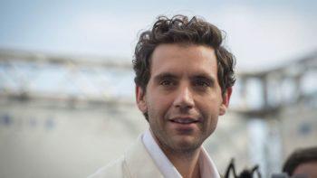 Mika : pourquoi il ne voulait pas chanter depuis chez lui pendant le confinement
