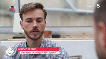 C à vous : le témoignage choc de Benoît Berthe, forcé à suivre une thérapie de conversion à 15 ans