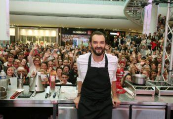 Le Meilleur Pâtissier : Cyril Lignac se confie sur le départ de Julia Vignali et l'arrivée de Marie Portolano