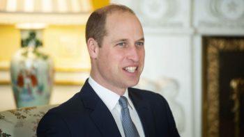 That 70's show ! Le Prince William surprend avec un costume en velours