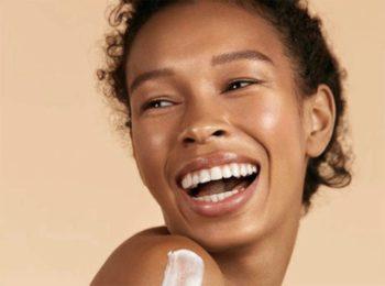 Gommages, chantilly de corps, huiles parfumées... 13 produits pour transformer sa douche en spa !