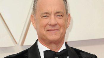 Tom Hanks : le fils du comédien taxé de racisme après des propos lunaires sur les hommes blancs