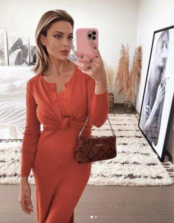 Notre sélection de robes rouges pour copier le look glamour Caroline Receveur