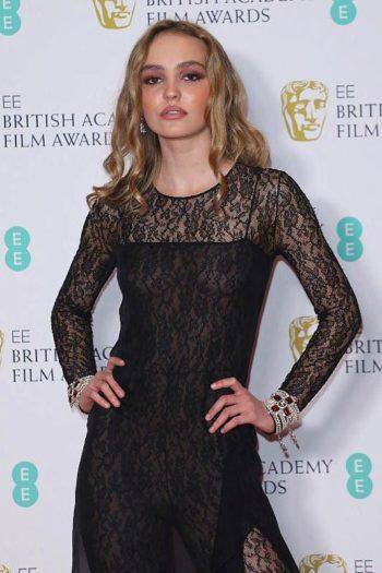 Lily-Rose Depp : la fille de Vanessa Paradis peu enthousiaste à l'idée de jouer avec son père