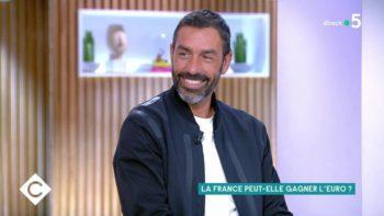 Robert Pirès : cette astuce que le joueur des Bleus avait pour être sur les photos de l'Euro de football 2000
