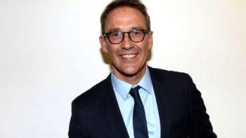 Julien Courbet : sa vidéo moqueuse après la gifle reçue par Emmanuel Macron