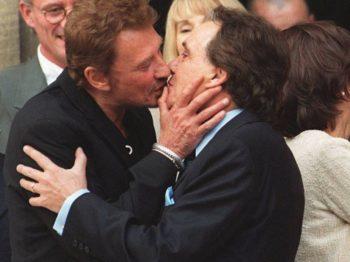 """""""Vous saviez que Sardou et Johnny couchaient ensemble ?""""... ce jour où Johnny Hallyday et Michel Sardou sont allés trop loin !"""