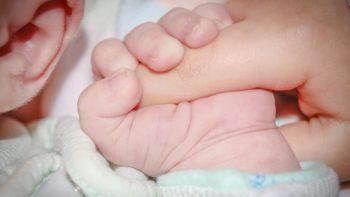 Un bébé naît avec trois phallus, premier cas humain constaté