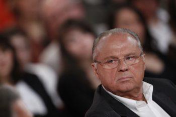Gérard Louvin et son mari accusés de viols : une enquête ouverte contre le plaignant