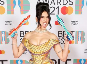 Brit Awards : Dua Lipa reine d'une soirée très féminine